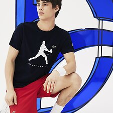Picture of MEN'S NOVAK DJOKOVIC SIGNATURE LOGO TEE
